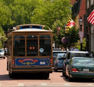 Close proximity to downtown Annapolis shops and restaurants